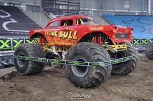 Monster-truck-raging-bull-3-m11989