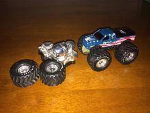 2004-best-pals-bigfoot-64-truck-lot 1 eb0a190f2080b1886e3d6176509835c2