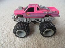 Clydesdale-monster-truck-tuff-trax 1 99a92d393910231c2147e97051785cfc