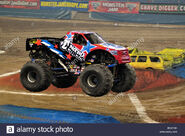 Monster-jam-nitro-circus-with-lee-odonnell-driver-BEAYXK