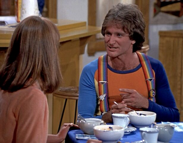 File:Mork & Mindy 103 Mork Moves In - Robin Williams Pam Dawber 2.jpg