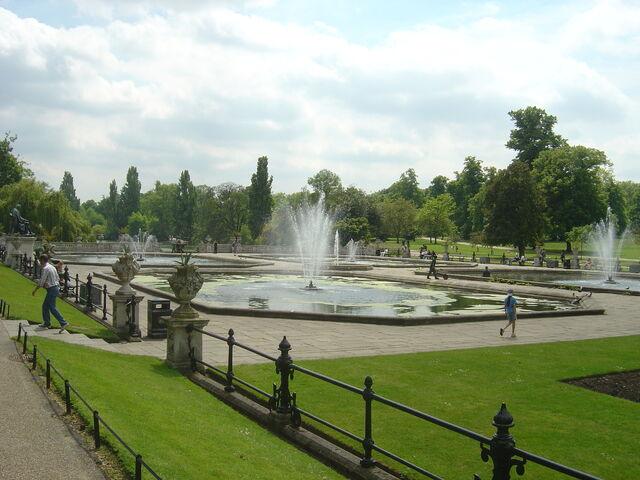File:Hyde park.jpg