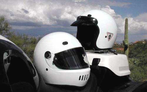 Datei:White-helmets.jpg