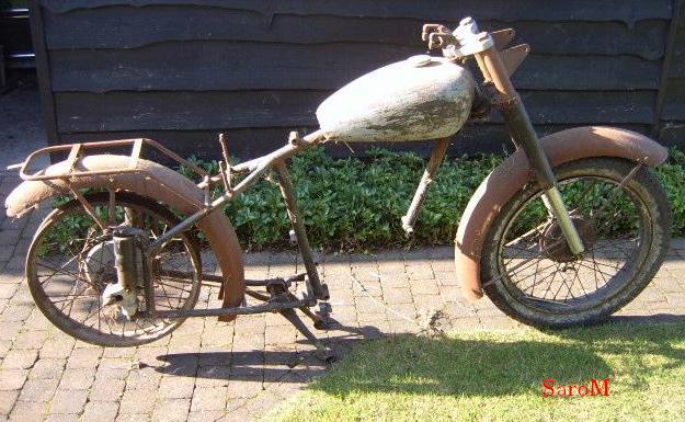 Datei:Sarolea 49 ASL 350ccm 1949 Rest.jpg