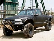 0811or-01-z+gmr-chevy-s10-pickup-why-build-a-chevy-s10+chevy-s10-exterior-front