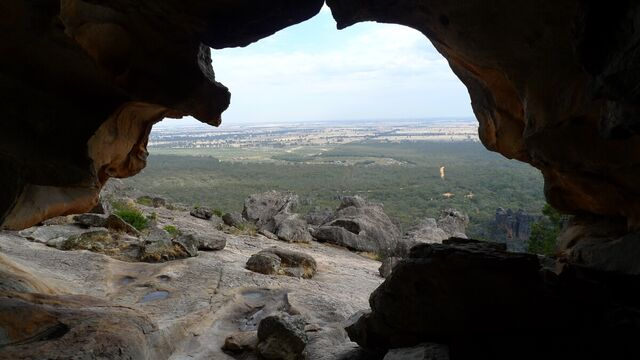 File:05-grampians-hollow-mountain-inside-the-cave.jpg