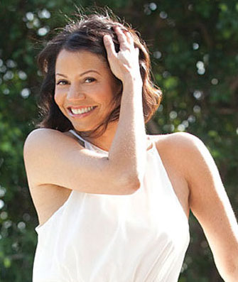 gloria reuben measurements