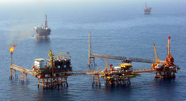 File:Offshore platforms Mexico.jpg