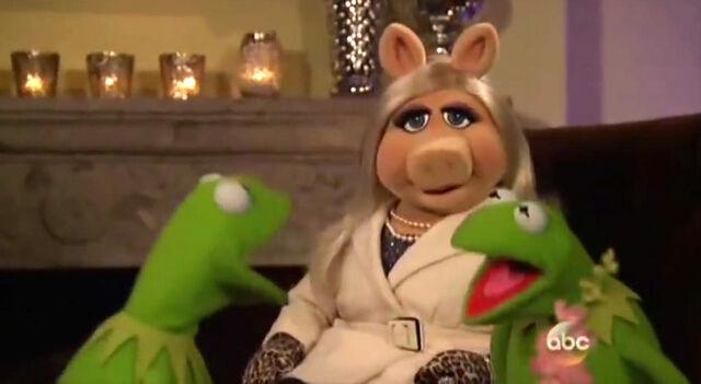 File:The Bachelor 2014 Kermit.jpg