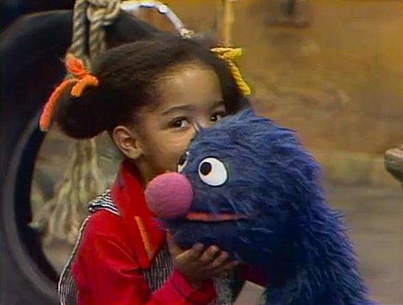 File:Grover stephanie lonely.jpg