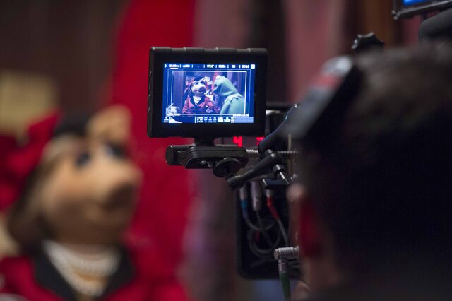 File:Muppets-set-viewfinder.jpg