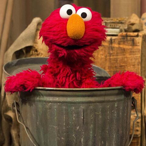 File:OscarsTrashCan-Elmo.jpg