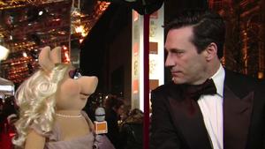 BAFTA-Awards-2012-MissPiggy&JohnHamm