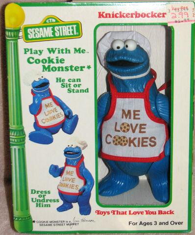 File:Knickerbocker 1981 play with me cookie monster 1.jpg