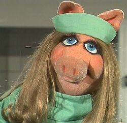 Piggy HelenReddy