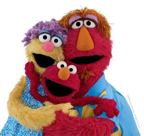 File:Elmo family.jpg