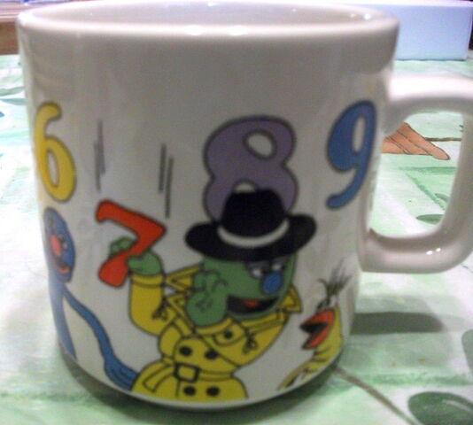 File:Crown lynn numbers mug 2.jpg