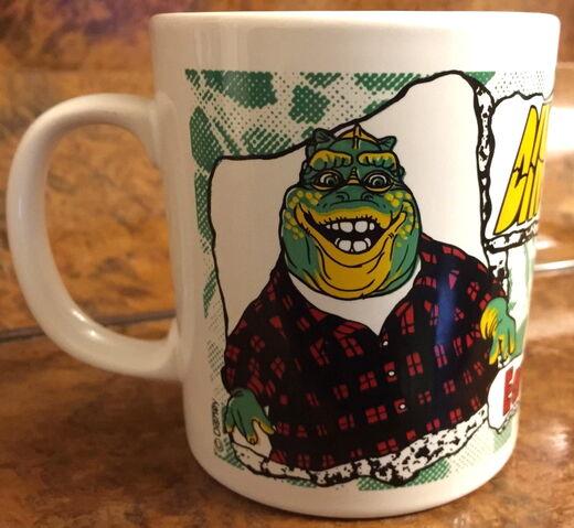 File:Kiln craft dinosaurs mug 2.jpg