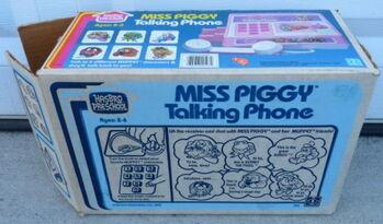 Miss piggy talking phone 6