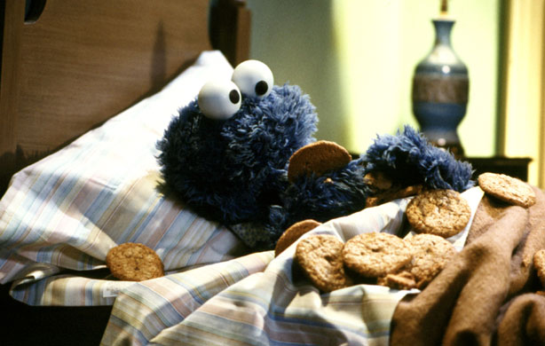 File:Cookie-monster-bedtime.jpg