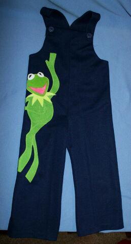 File:Danskin 1977 romper bib pants kermit navy blue 1.jpg