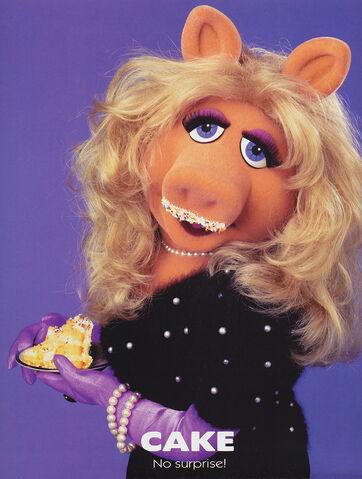 File:Miss Piggy Got Milk Cake parody.jpg