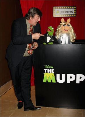 Stephenfry muppets2012