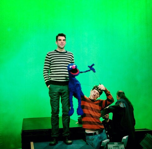 File:Zachary Quinto and Grover.jpg