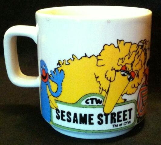 File:Crown lynn 1981 mug 1.jpg