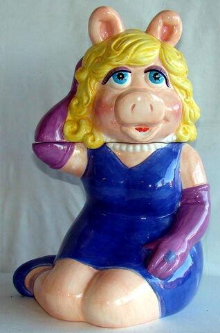 File:Treasure craft cookie jar miss piggy 1.jpg