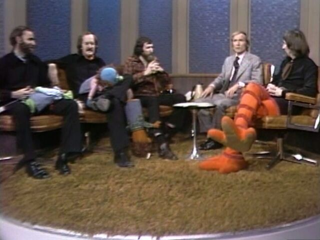 File:Muppeteers & Dick Cavett.jpg