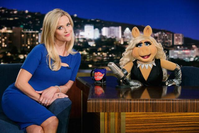 File:Reese Witherspoon Walk the Swine.jpg