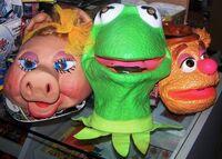 Cesar-MuppetShowMasks(1980s)-Kermit(Latex)MissPiggy(Latex)Fozzie(PVC)