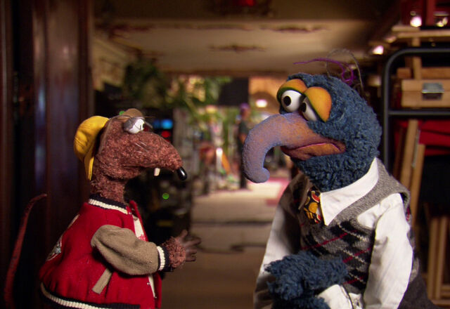 File:TheMuppets-Behind-The-Scenes-Interviews-Rizzo-Gonzo.jpg