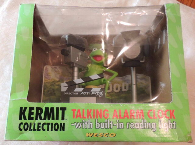 File:Weco uk alarm clock kermit collection talking lights camera action 2.jpg