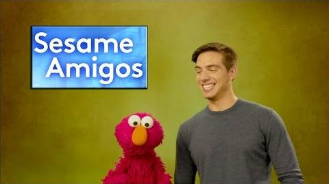 Elmo tiene un problema y Vadhir Derbez lo ayuda a resolverlo en Sesame Amigos