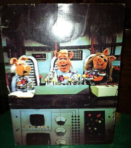 File:Stuart hall 1978 pigs in space folder back.jpg