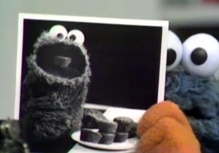 File:Cookie eats cuppycakes.jpg