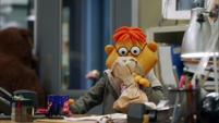 TheMuppets-S01E05-ScooterHyperventilating
