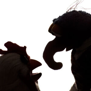 Wired-(2011)-Muppets gonzo-camilla