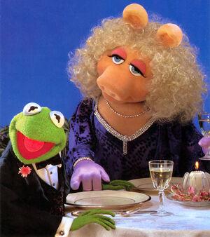 Dinner-KermitPiggy