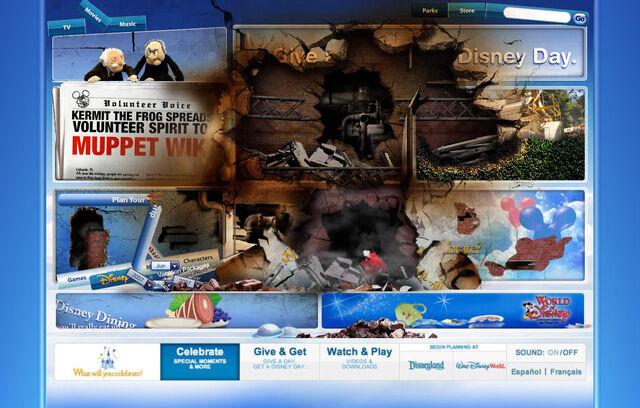 File:Disneyparksgive.com-12.jpg