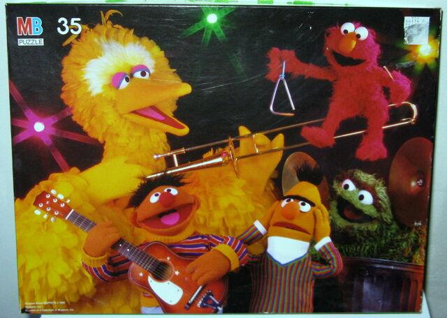 File:Milton bradley 1988 puzzle sesame band.jpg