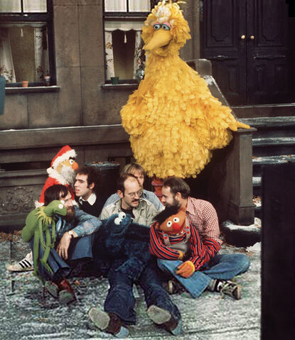 File:Sesamechristmasbehindthescenes.jpeg