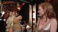 BAFTA-Awards-2012-MissPiggy&JessicaChastain