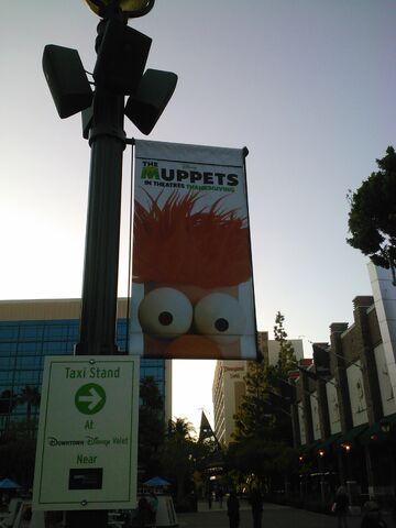 File:MuppetsBeakerbannerDL.jpg