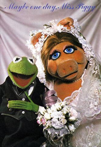 File:Weddingpiggy-annual.jpg
