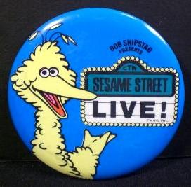 File:Sesame street live pin 1980.jpg