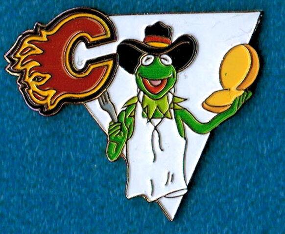 File:Hockey pin calgary flames.jpg