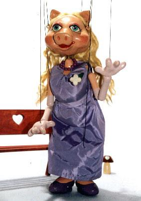 File:Marionette-piggy.jpg